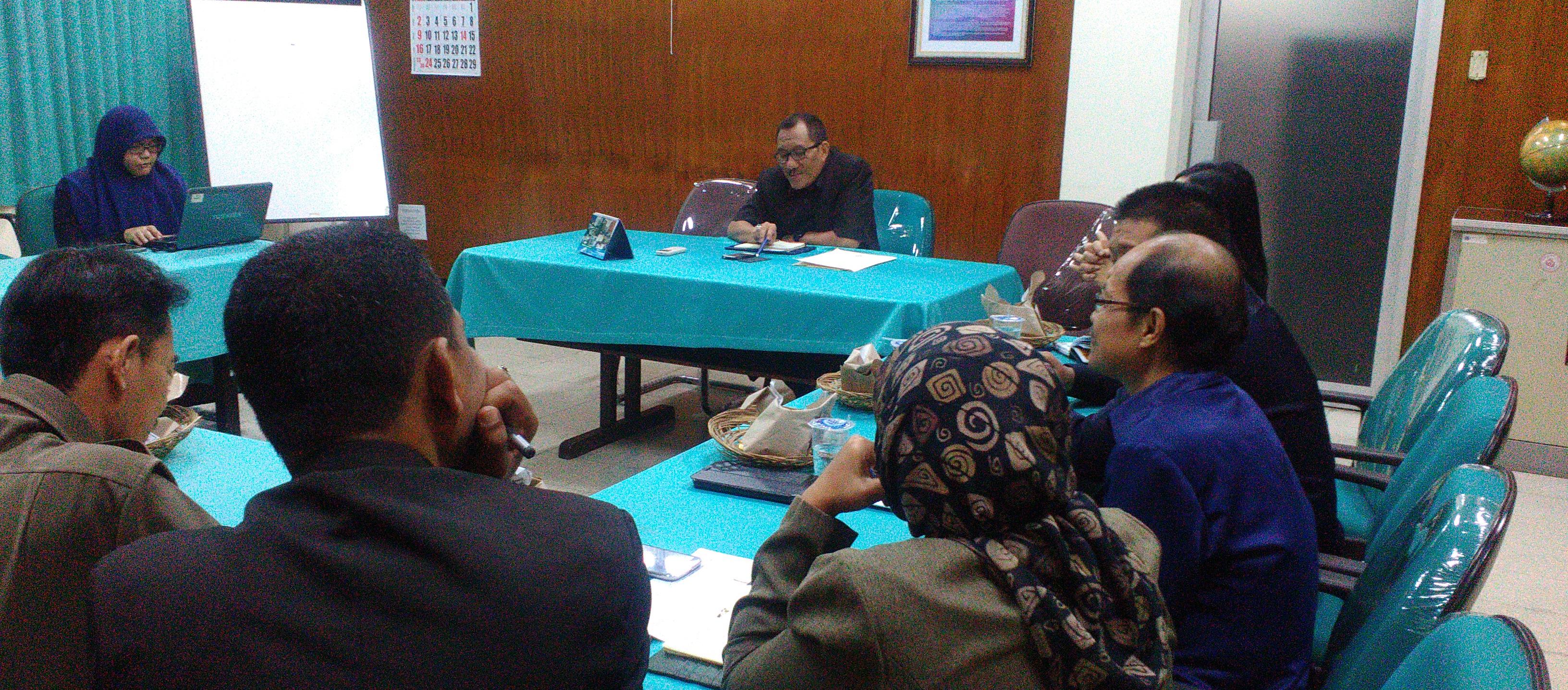 Rapat Koordinasi di Lingkungan Biro AKPIK