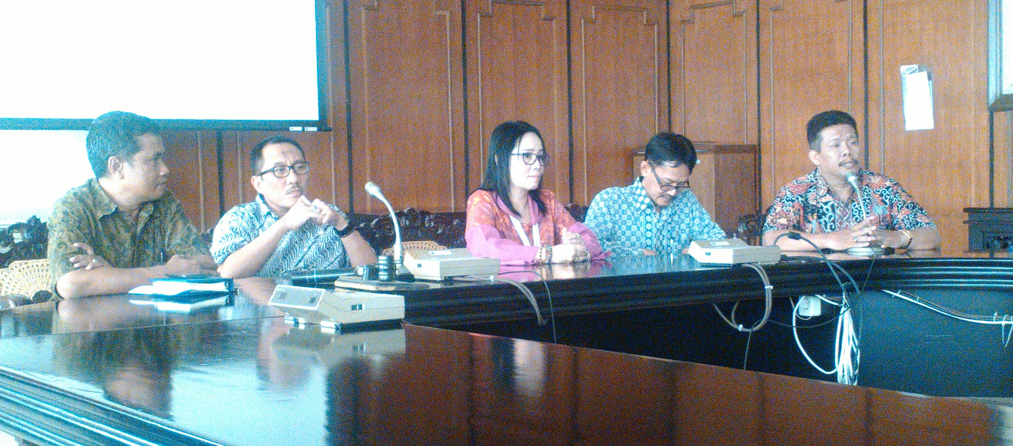 Rapat Kerja: Evaluasi Pelaksanaan Program Kerja Biro AKPIK Semester Genap